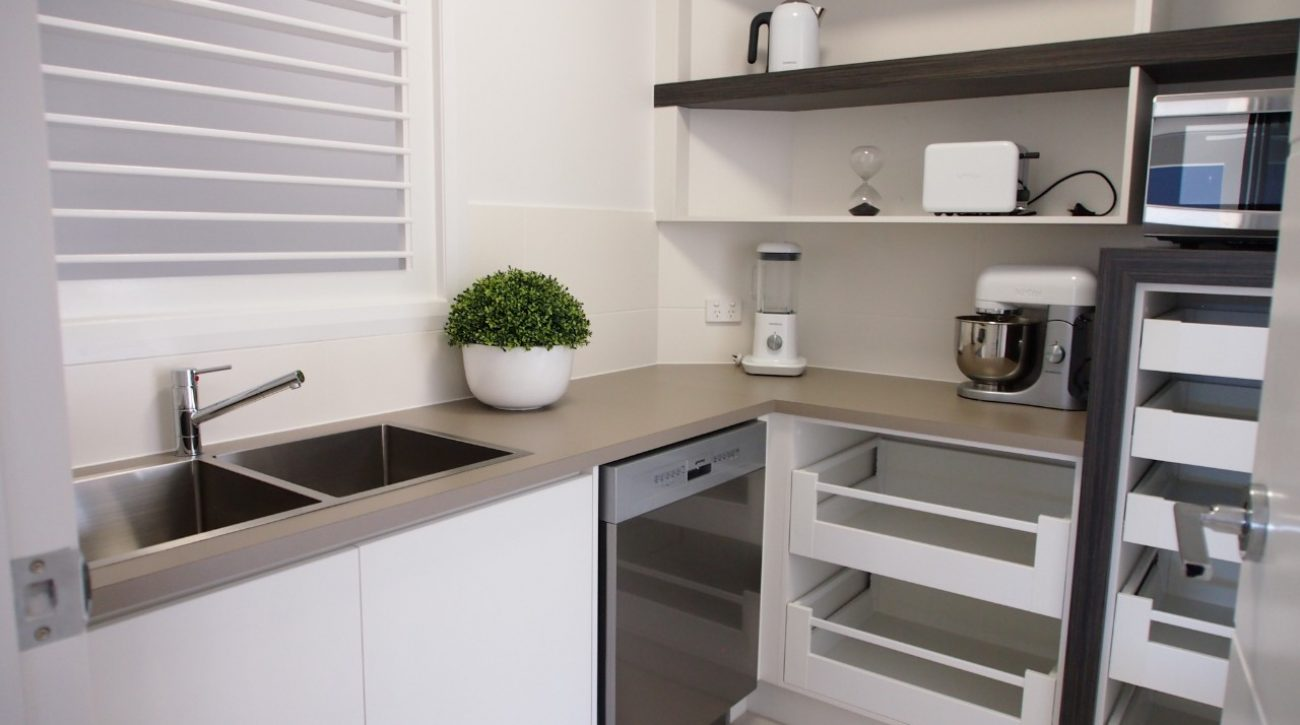 Box Features Kitchen 12