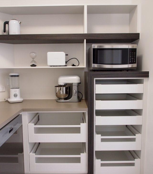 Box Features Kitchen 13