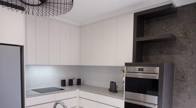 Box Features Kitchen 4