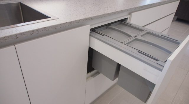 Box Features Kitchen 9