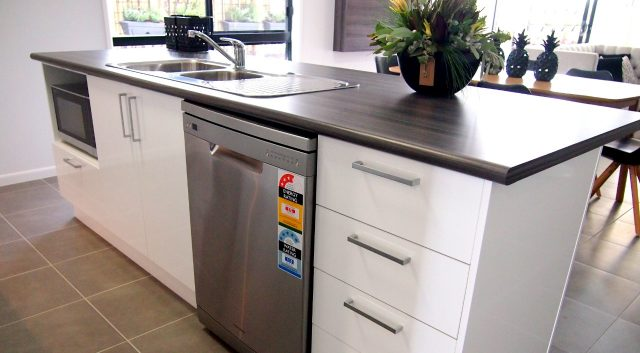 Cleverly Compact Kitchen 4