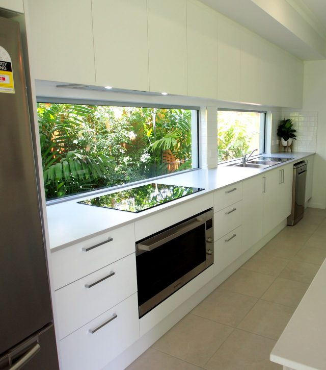 Shiny Pendants Kitchen 3