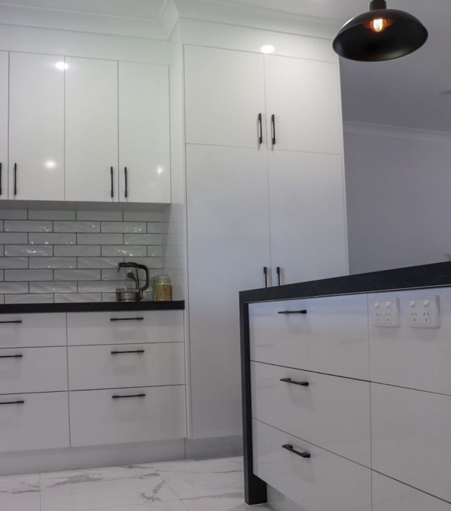 Subway Tiles Kitchen 10