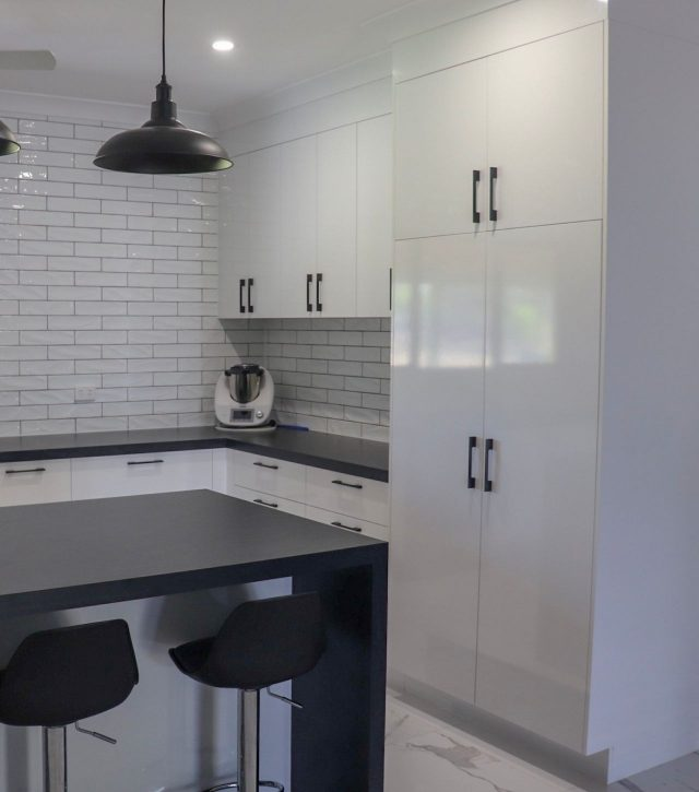 Subway Tiles Kitchen 2