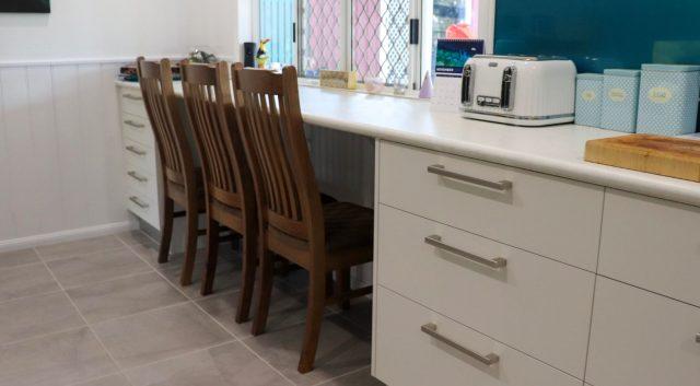 Family Sized Kitchen 9